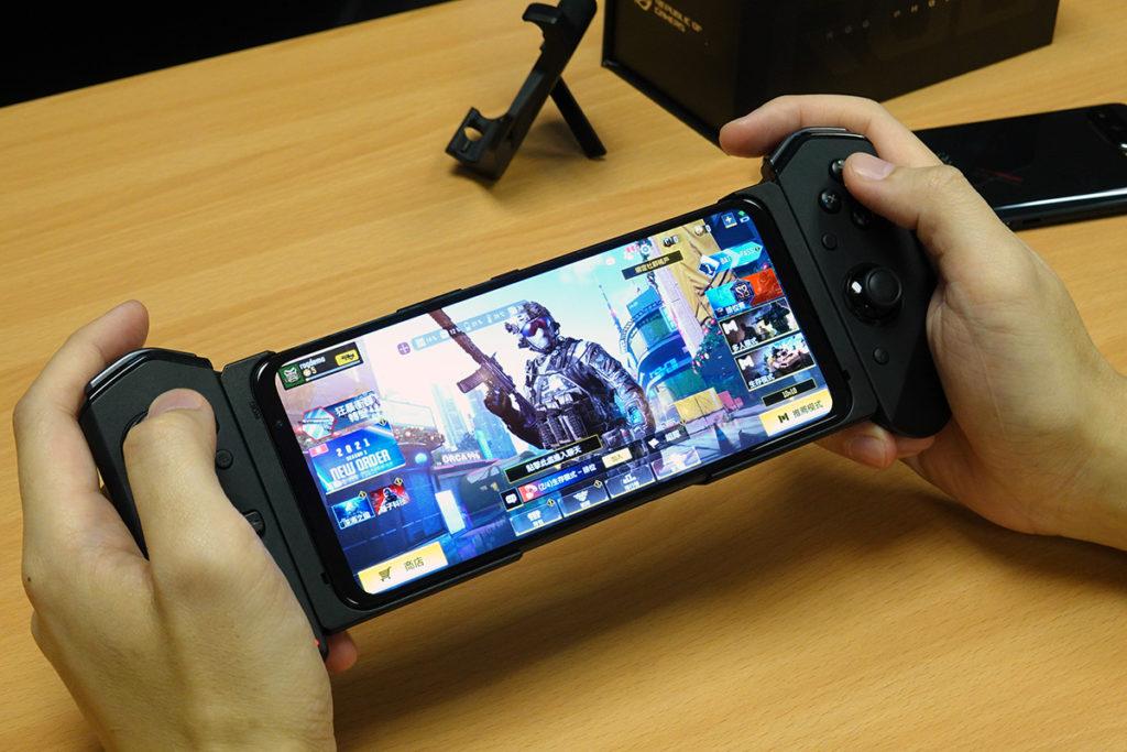 Gamepad 遊戲控制器 3 (連 ROG Phone 5 專用保護殼)建議零售價為港幣 $999。