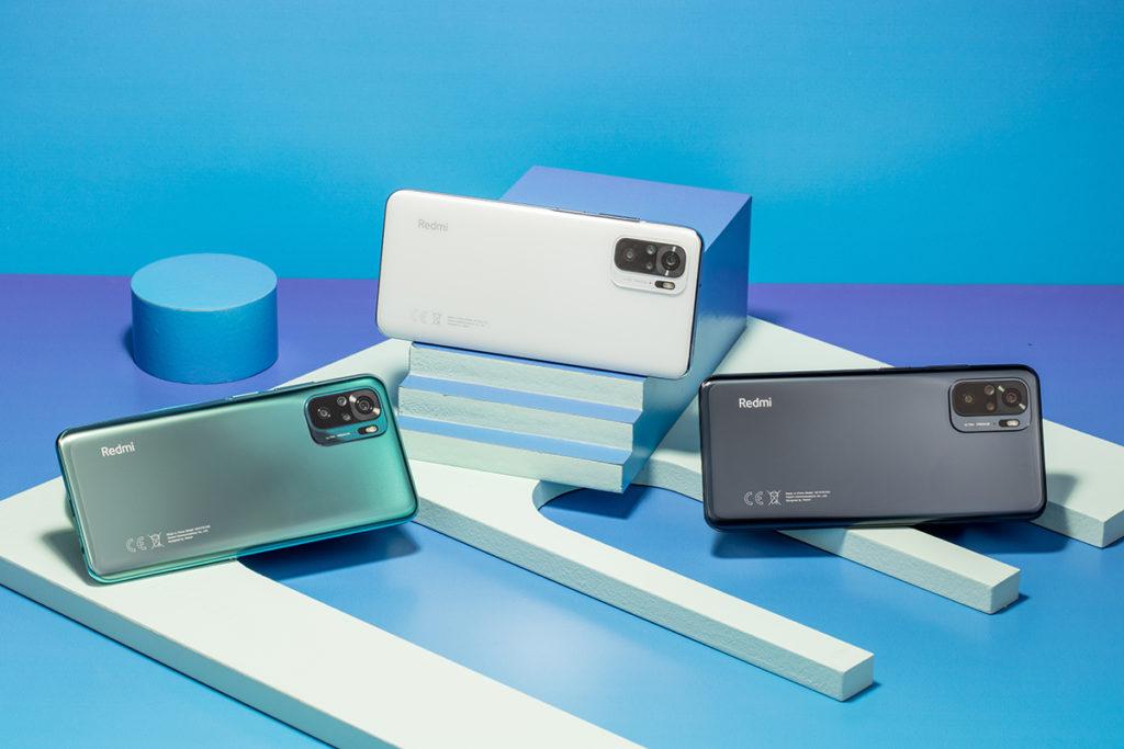具備瑪瑙灰、卵石白及湖水綠三款顏色選擇的 Redmi Note 10 採用 Snapdragon 678 處理器,香港版本為 4GB RAM + 128GB ROM。