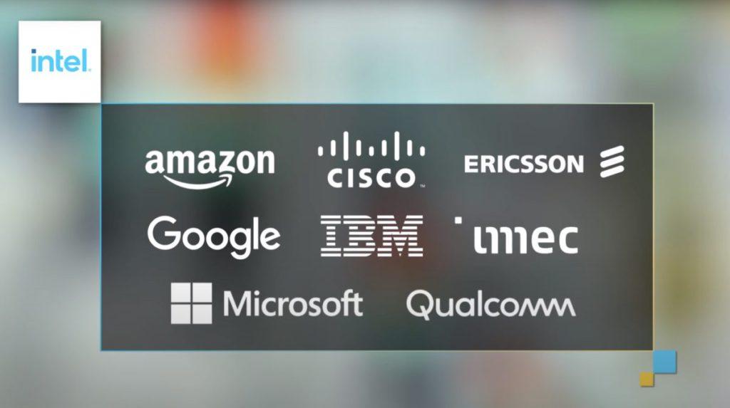 Gelsinger 指在代工服務上已與 Amazon 、 Google 、 IBM  、 Microsoft 以至 Qualcomm 展開商討。