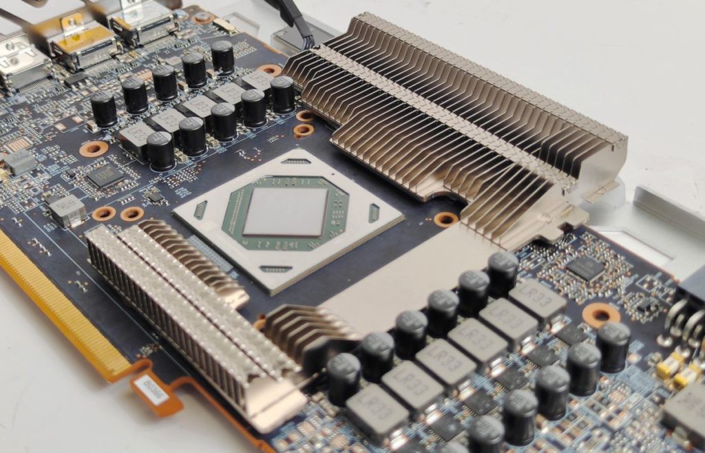 有為 GDDR6 提供專用的散熱鰭片