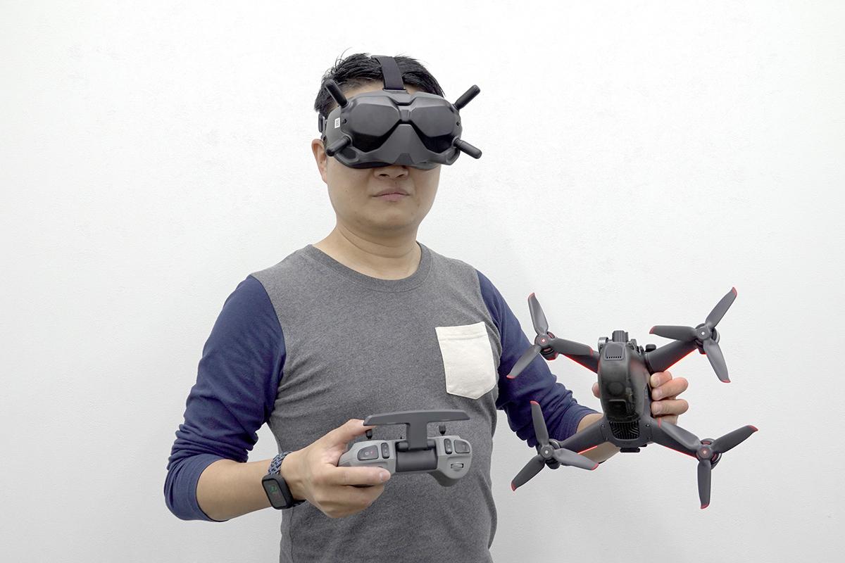DJI FPV 全套基本裝備連飛行器,日後有機會試飛再跟大家分享。
