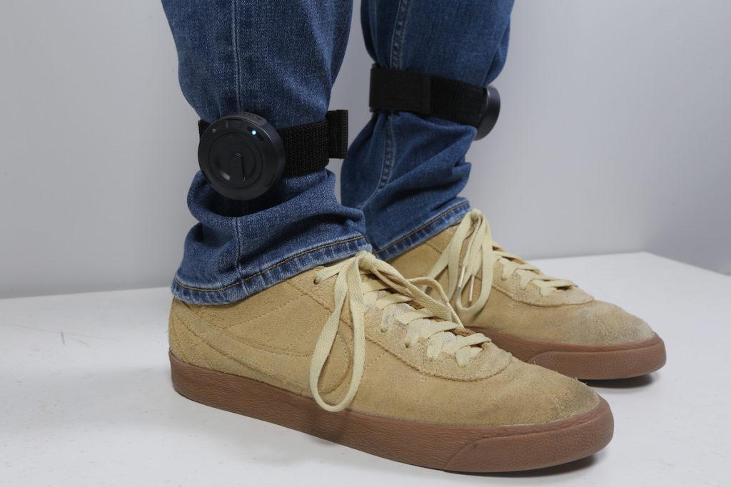 腳踝裝置要裝在外側