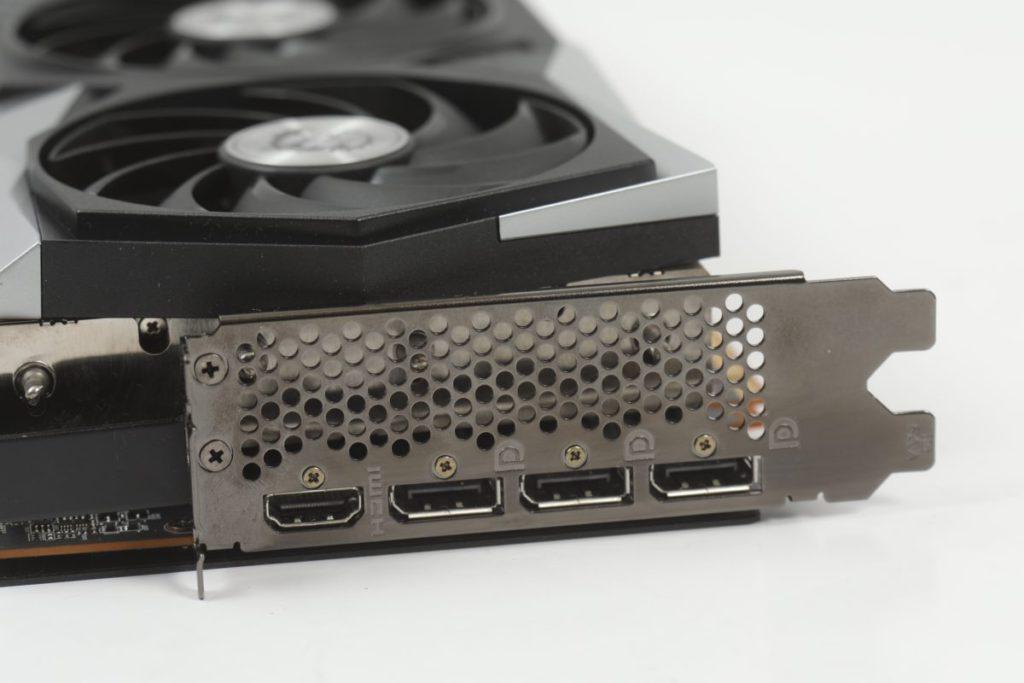 標準的顯示輸出。注意其次序為 HDMI 2.1> 3x DisplayPort 1.4,跟 RTX 3090 的 3x DisplayPort 1.4 > HDMI 2.1 剛好相反。