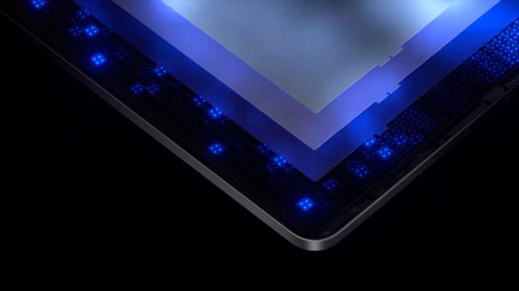 超過 10,000 粒比舊 LED 小 120 倍的 mini LED 遍佈在屏幕上分成 2,500 多個調光區,效果媲美 Pro Display XDR 。