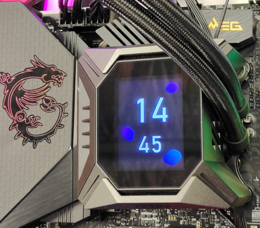 也可以把水冷顯示屏用作顯示時間功能。