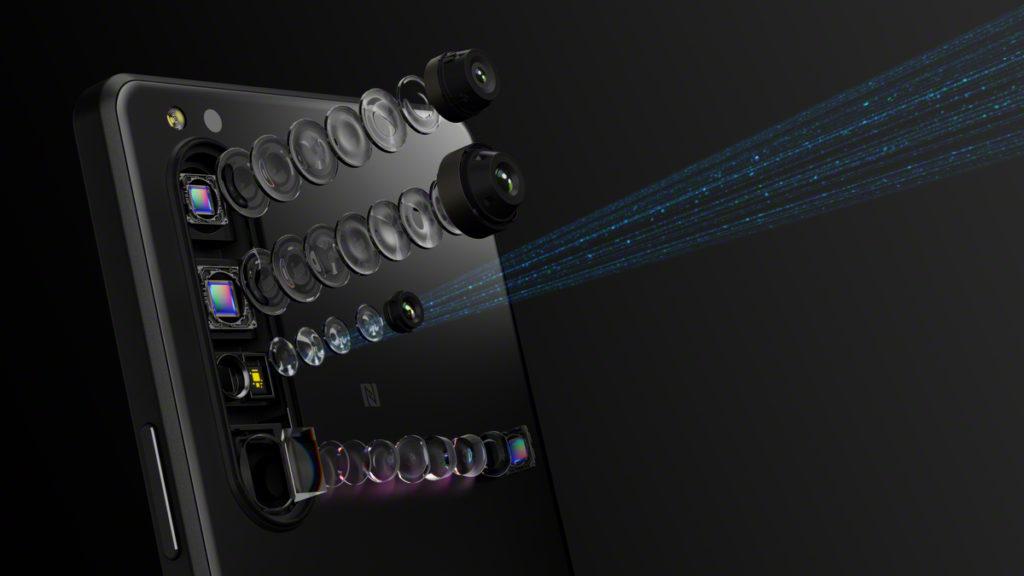三鏡頭均支援 DualPD AF 對焦,而且在拍攝時可用 Real-time EyeAF 之外,更加入了 Real-time tracking 功能,配合 20fps 連拍速度,不論近拍遠拍都可以「張張中」。
