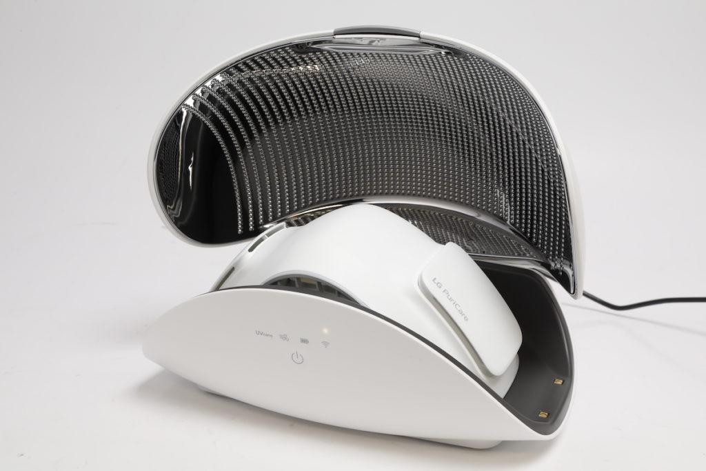 保護盒既可為清新機消毒,也能作充電之用。