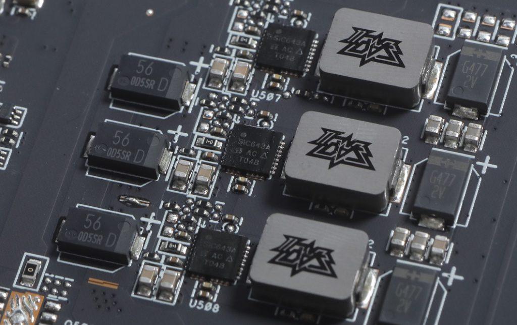 採用Vishay SiC643a Dr.MOS等元件,並有鉭電容等高檔元件。