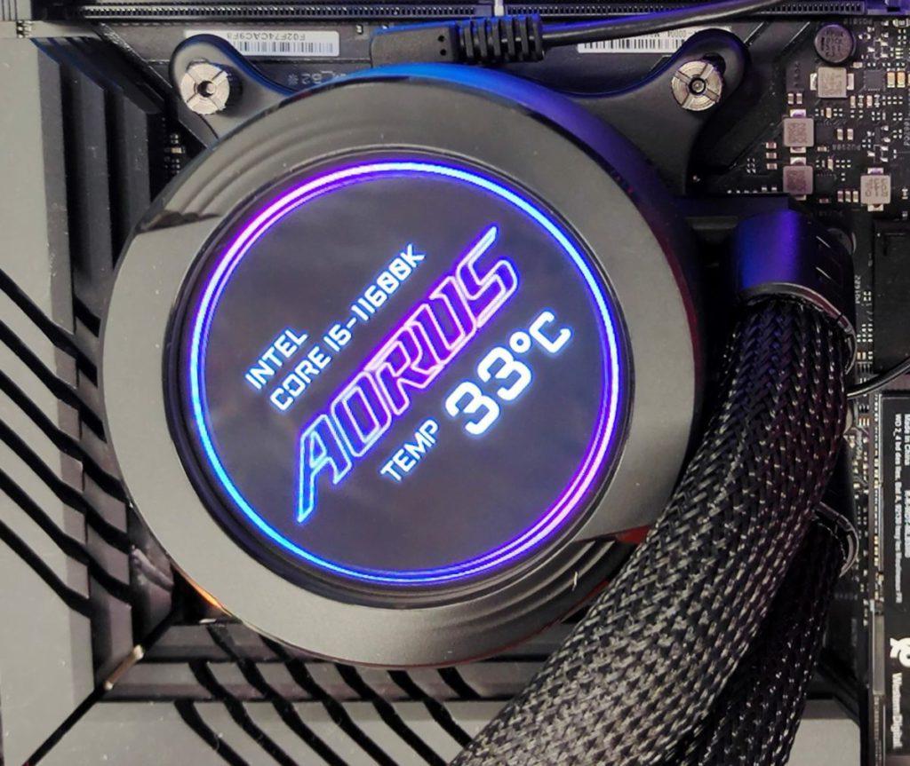 另一種信仰模式。如圖中的傾斜效果 + AORUS Logo + CPU Model + CPU 工作溫度。
