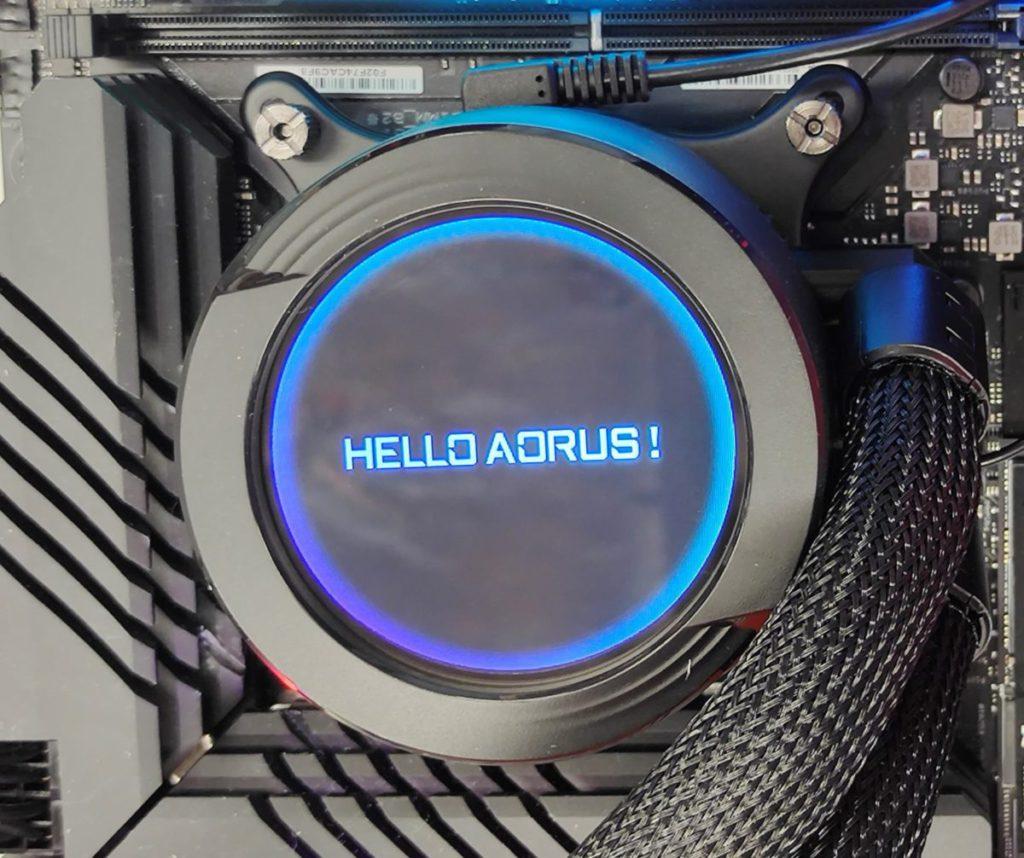 支援客製化文字模式,可支援多國語輸入,圖中為自定的「 HELLO AORUS 」。