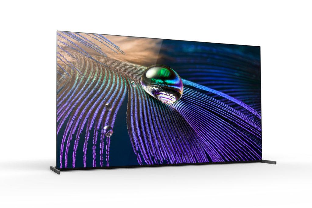 隔了一年沒有升級的 Master Series OLED系列,今年 A90J 改回使用 90度垂直屏幕,減少天花反光情況。機背首次將低音揚聲器也加裝到機身之內,不像以往 A 柱般浪費掛牆空間。