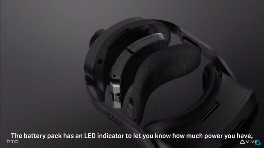 弧形的電池裝在頭枕位置,上面有 LED 燈顯示電量,可以隨時拆除更換。