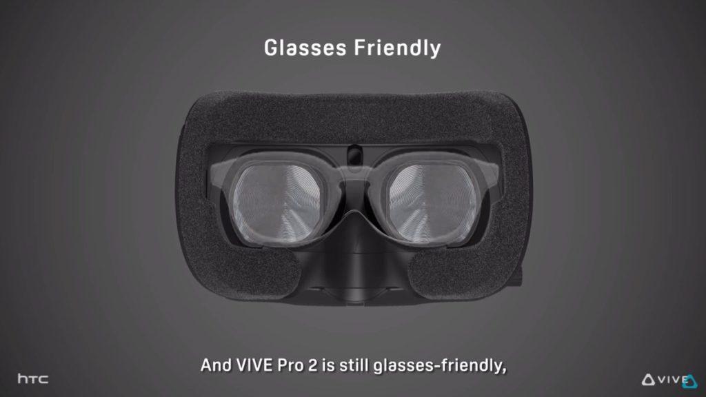 面墊部分又採用眼鏡友善設計,即使戴眼鏡也能玩 VR 遊戲。