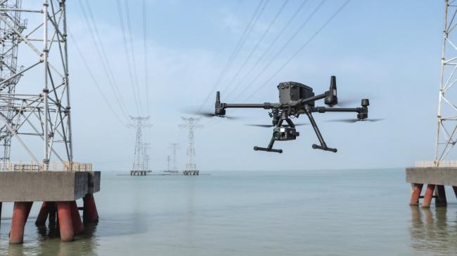 現時日本很多企業都依賴 DJI 無人機進行電纜檢查工作。