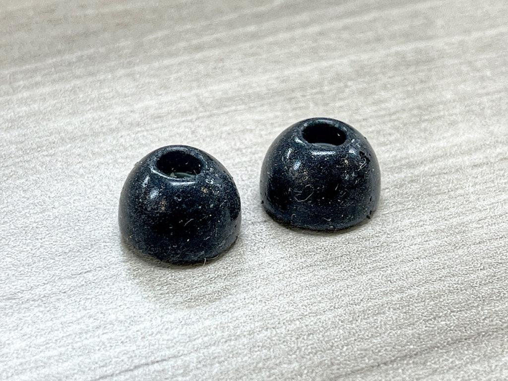 用上 SPEAR Labs 研發的 Nanocell Foam 納米蜂巢結構,比起一般耳棉更耐用。