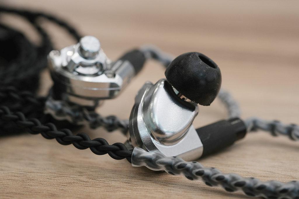 各種入耳式耳機都適合使用 nFORM XTR 耳棉。
