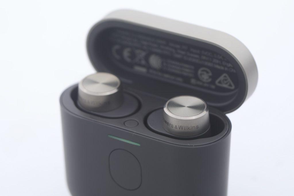 PI7 電池盒內有藍牙配按鈕。