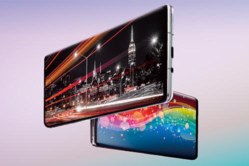 6.6 吋的 Pro IGZO OLED 屏幕其峰值亮度可達 2,000 : 1,而且更具備 1Hz-240Hz 可變更新率功能。