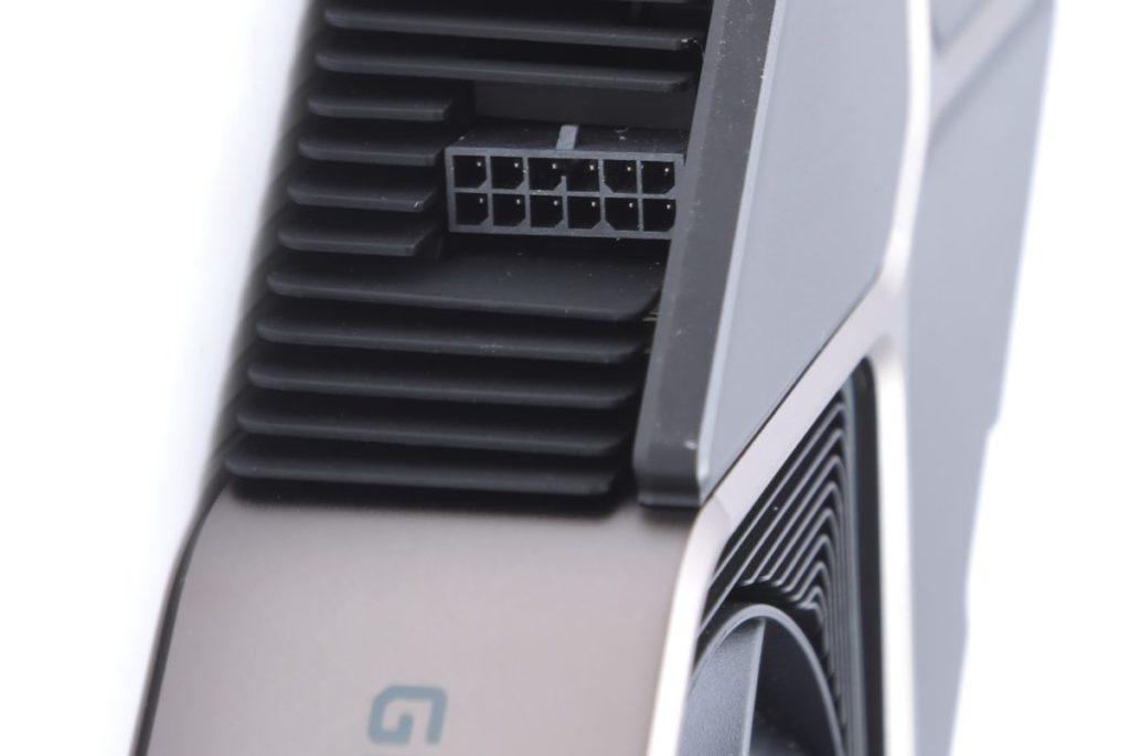 採用 NVIDIA 最新 12pin 高密度 Power Connector 供電