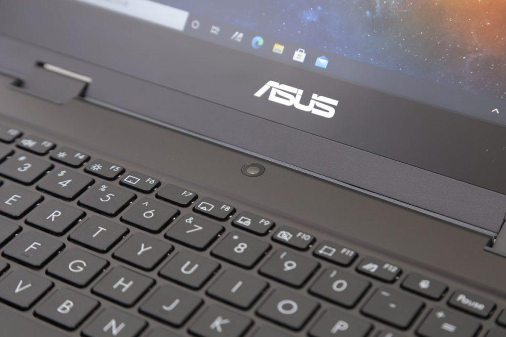鍵盤位置視像鏡頭於平板模式可當作前置鏡頭使用。