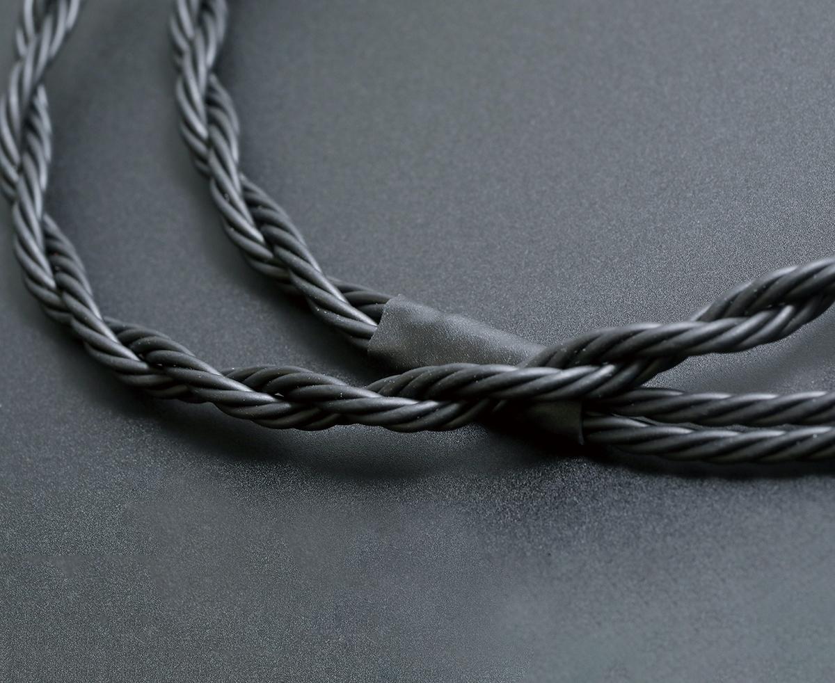 8 絞線材多出現在 Brise Audio 的高階產品上。