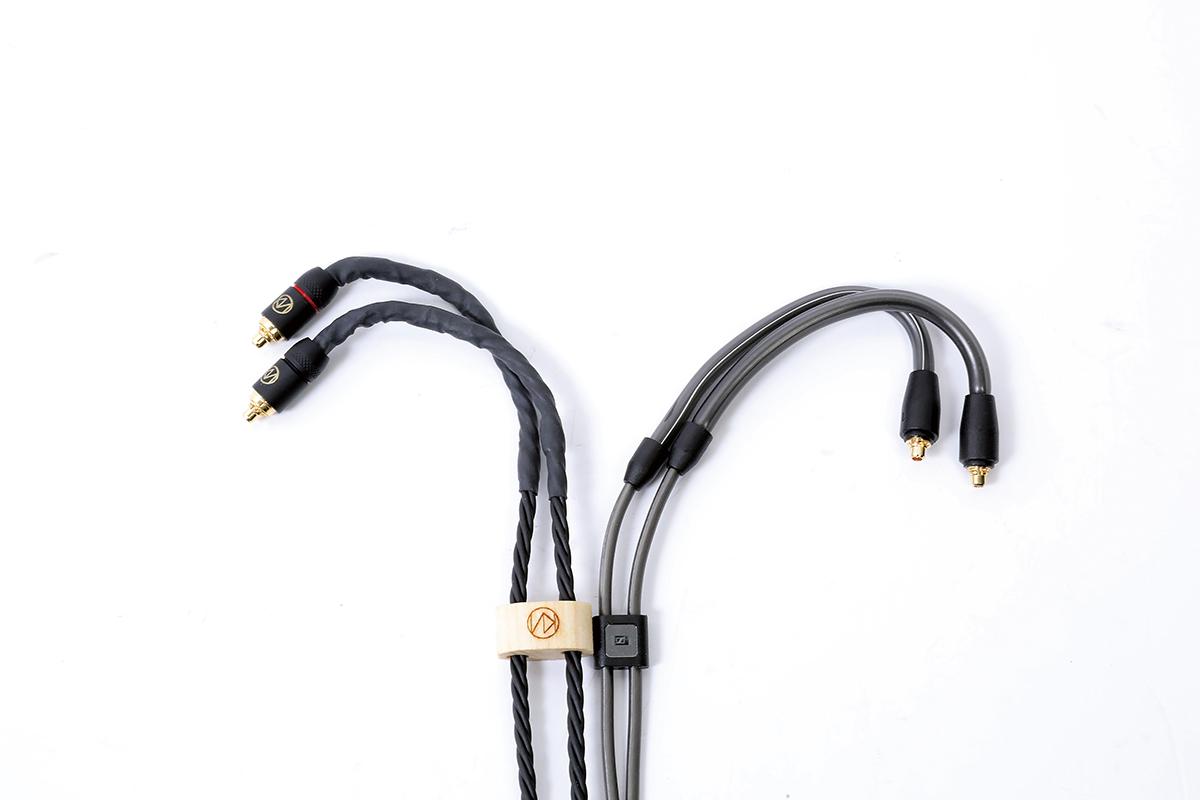 跟原裝線比較,Brise Audio 的 BSEP 粗身不少。