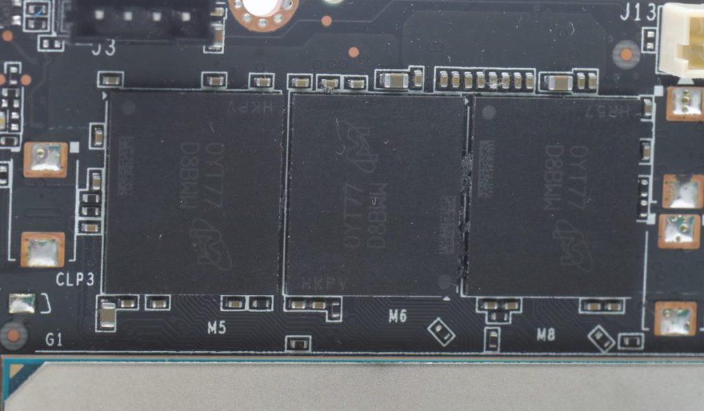 採用 Micron MT61K256M32JE-19G 8Gb GDDR6X 記憶體顆粒
