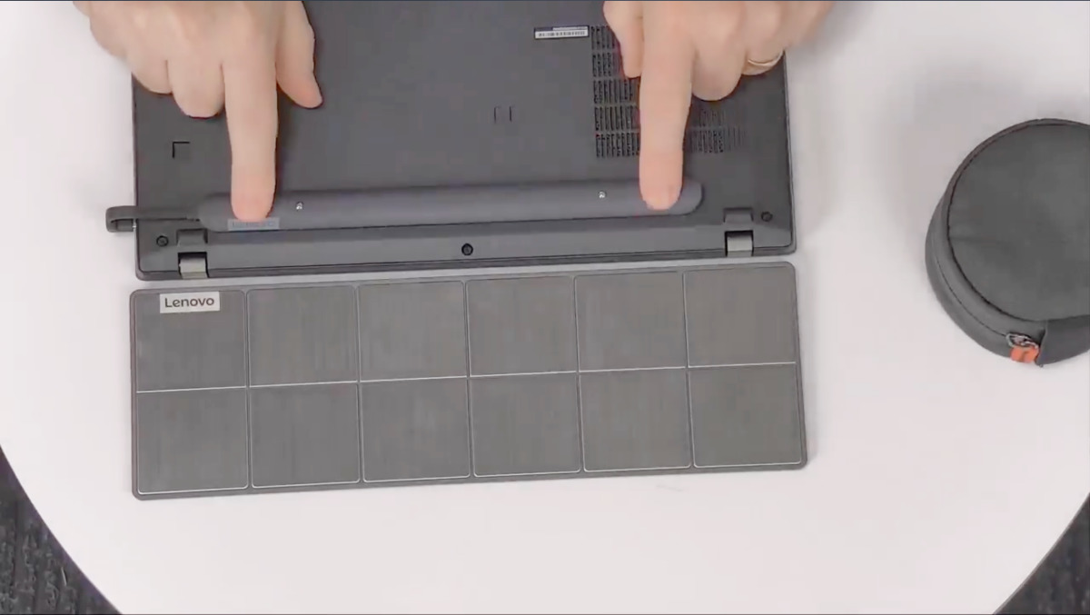 在電腦底下裝上無線充電線圈,再把 USB-C 線插在電腦的 PD 插座。