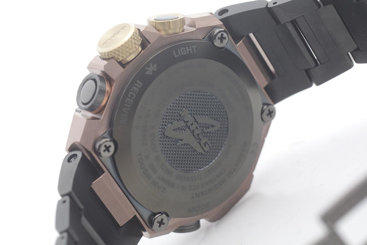錶背也刻有MR-G logo,並寫明是「MADE IN JAPAN」。