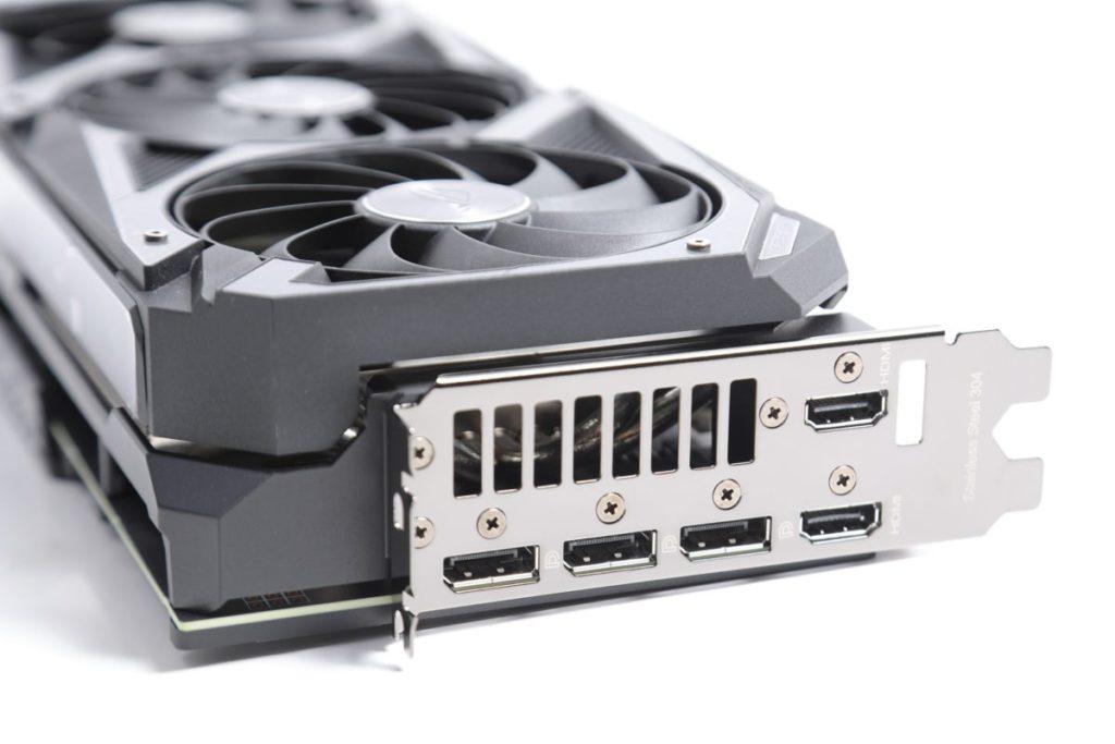 背板顯示輸出經過特別修改,可提供多一組總共兩組HDMI輸出,較標準設計為強。