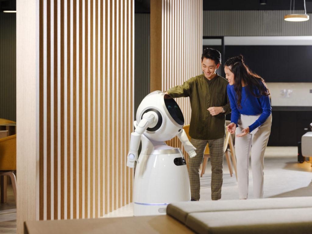NCS香港亦會開發機械人管理技術,在單一平台上控制不同牌子的機械人。