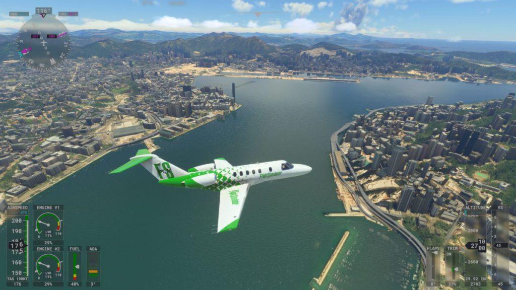 駕駛飛機飽覽維港景色,並與 PC 版玩家在同一片虛擬天空下飛翔。