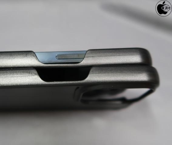 左邊的音量鍵、靜音開關和右邊的側邊鍵似乎會往下移。