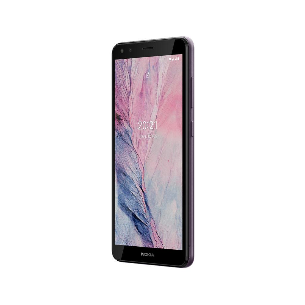Nokia C01 Plus 配備 5.45 吋 HD+ 屏幕,以及同 C20 一樣屬可拆式電池設計。