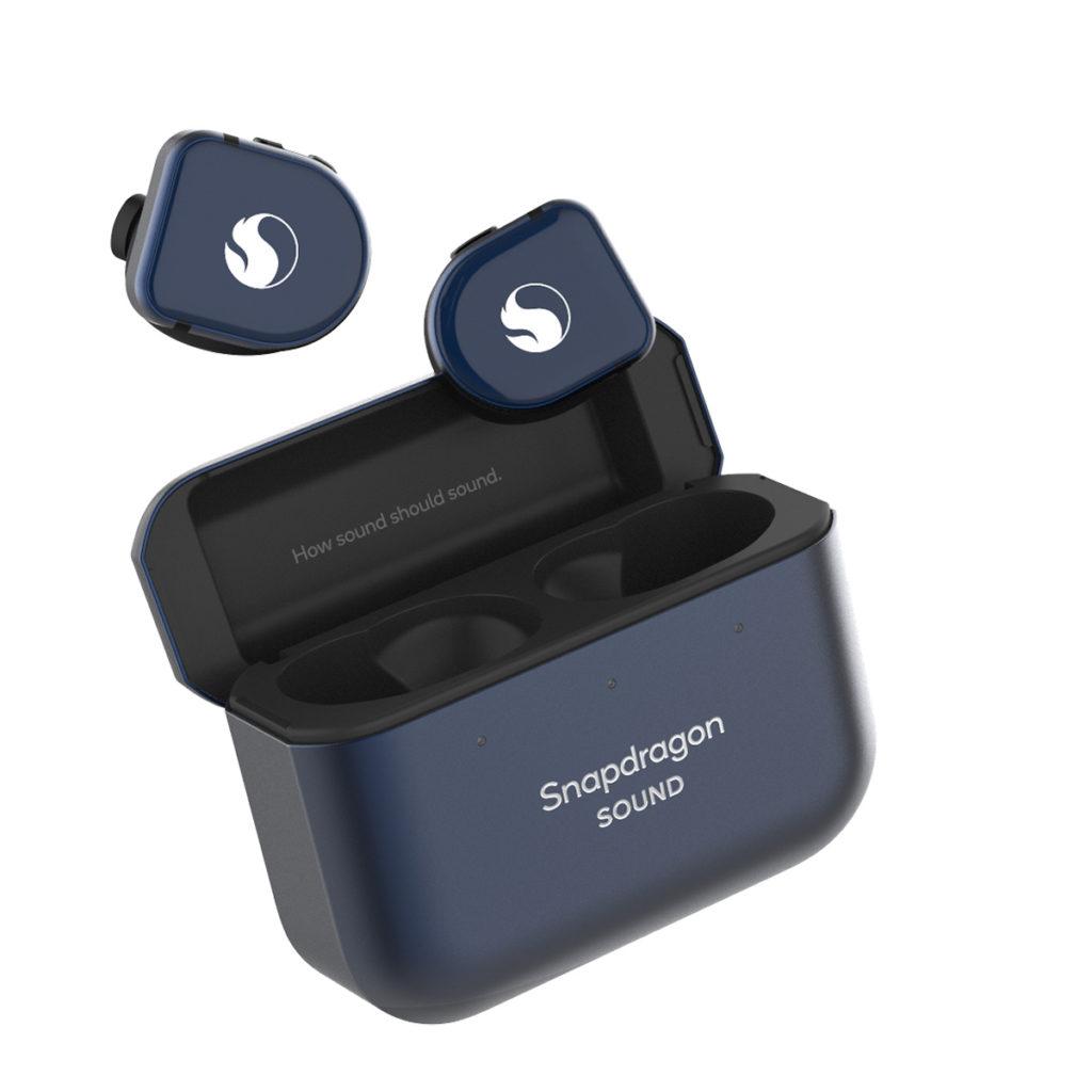 套裝包含印有「Snapdragon Sound」的Master & Dynamic 真無線耳機。