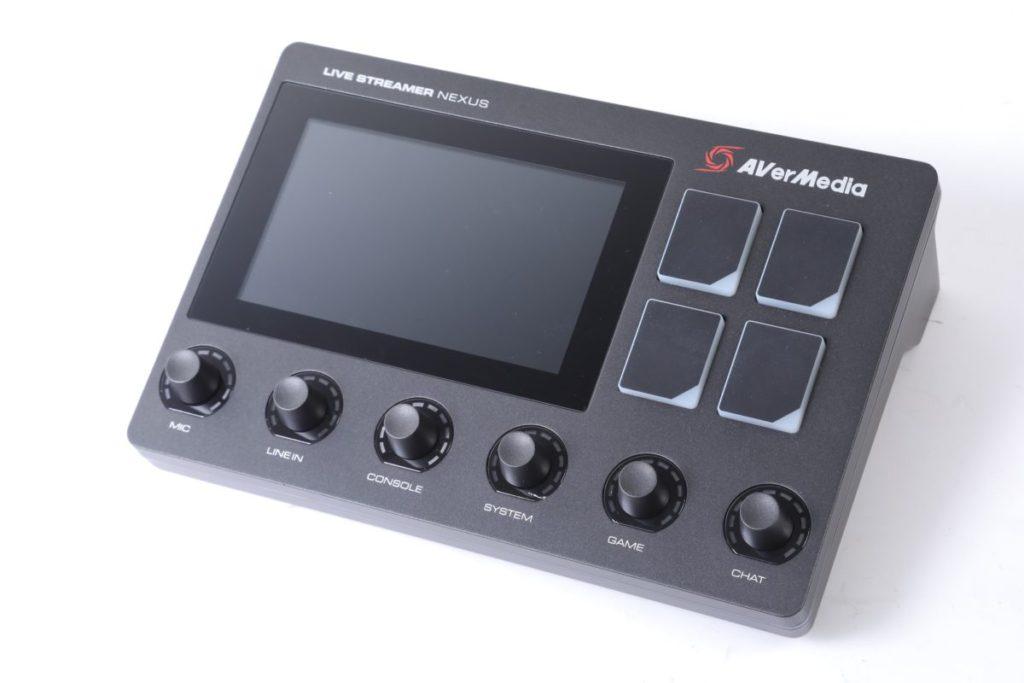 AverMedia Live Streamer NEXUS混音及直播控制裝置設計專業,一站式處理場景功能轉換及混音控制,機身不算太大。