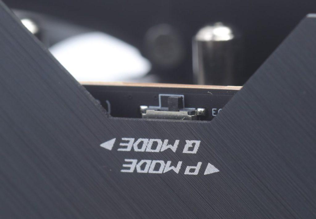 Dual BIOS switch 功能,其中 Q Mode 可延長顯示卡的壽命。
