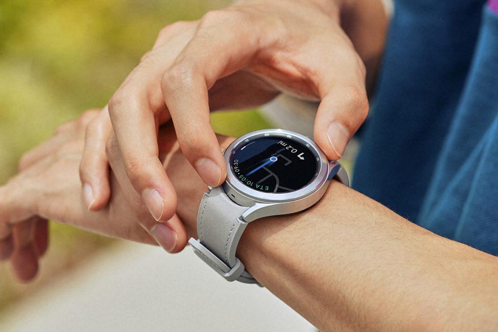 Galaxy Watch Watch4 系列使用 Google WearOS 及 OneUI,也就是可在手錶中使用Play Store、Google Map 等程式。