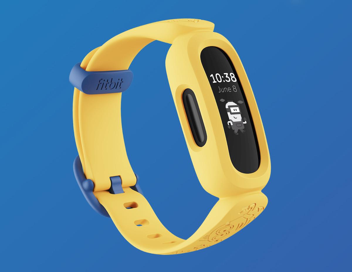 Fitbit推出 Ace 3 的 Minions 迷你兵團版本,全黃色錶帶十分搶眼。