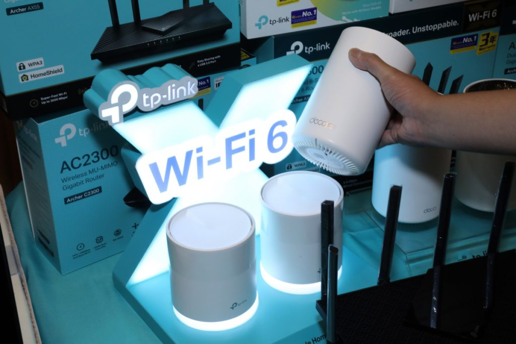 TP-Link 首度提供有 Mesh 功能的 4G Router ,放在窗邊也可配合 Mesh 裝置擴大網絡覆蓋。是業界首款 4G Mesh 產品,將會在會場首賣。
