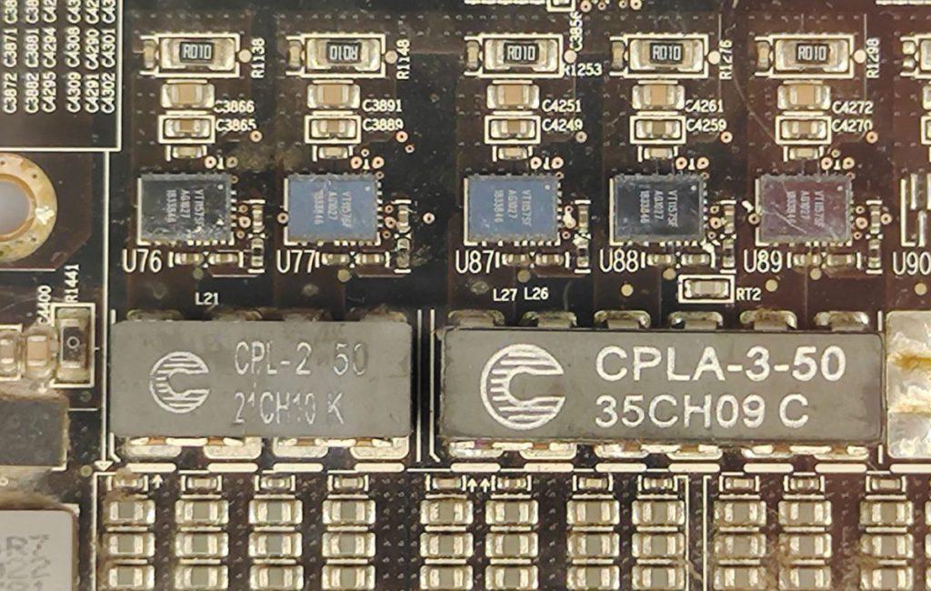 即使是VRM供電元件等小晶片,也可見其編號,可滿足DIY玩家的好奇心。