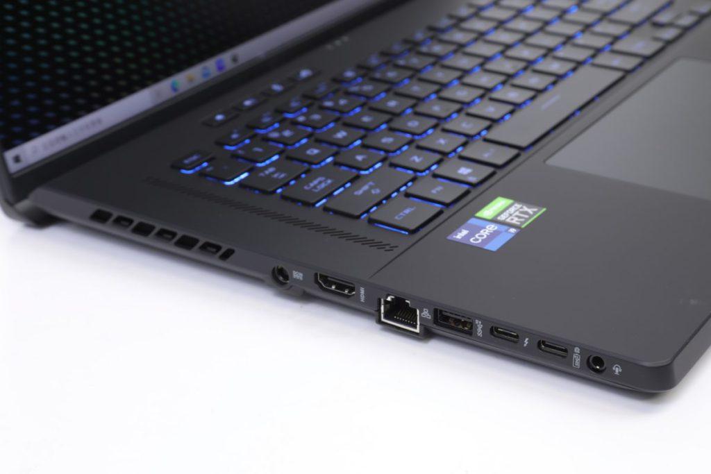 介面種類十分齊全,其 USB 3.2 Gen2 Type-C 更支援畫面輸出與 PD 充電。