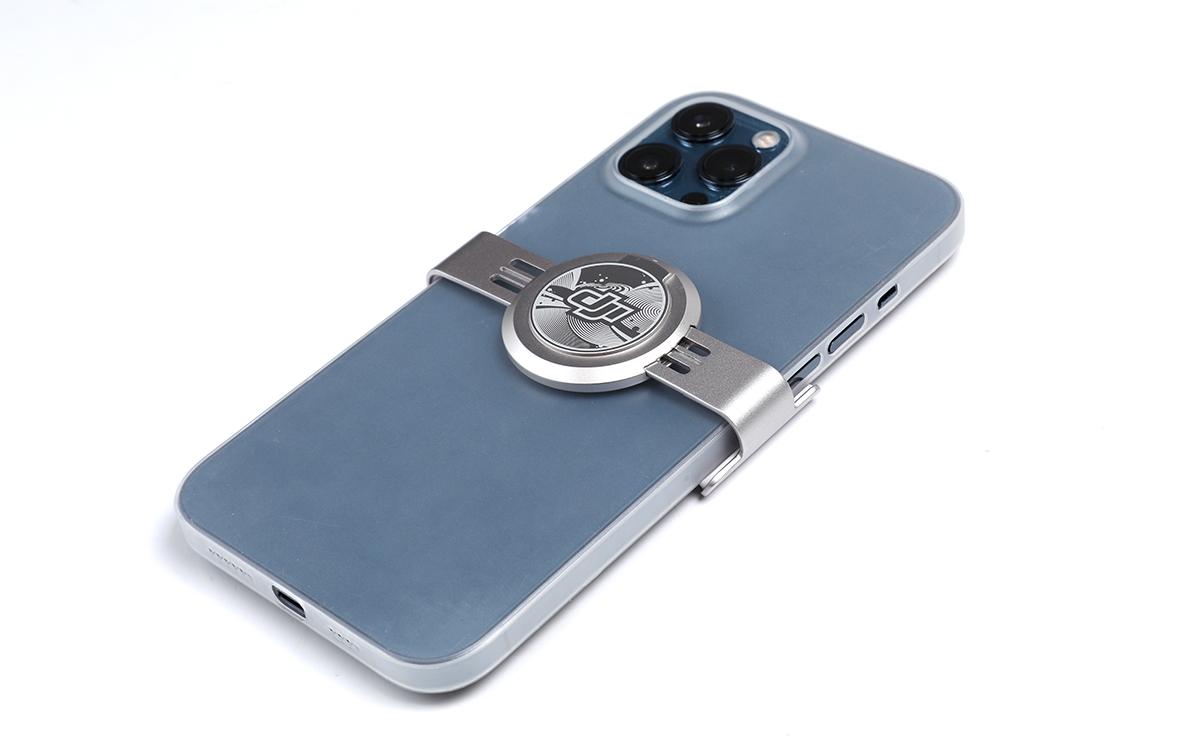 升級了的磁吸手機夾,相容更多手機及有更好的保護。
