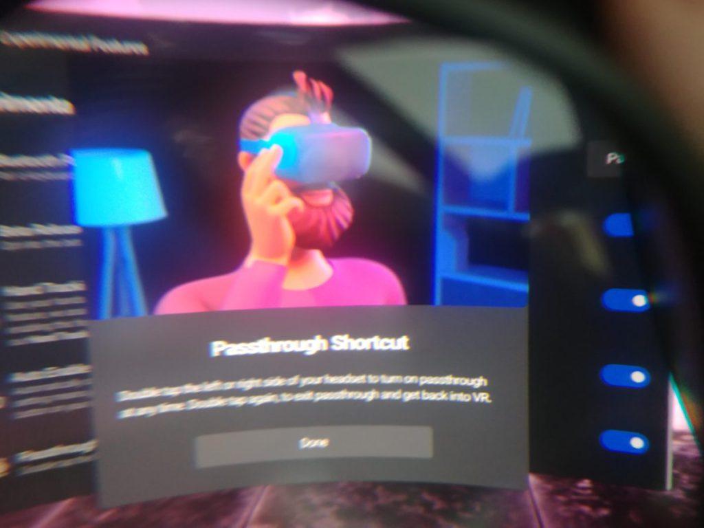 Oculus 的 Passthrough 功能透過頭戴裝置上的鏡頭,提供現實世界的影像。