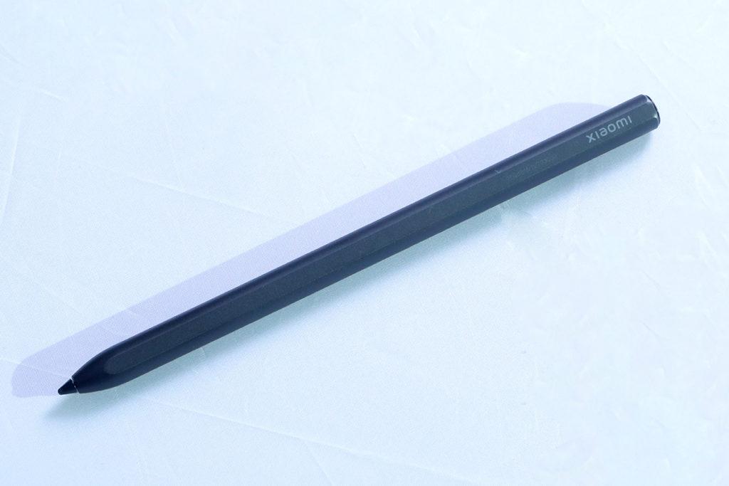 小米Smart Pen具備 4096 級壓感和 240Hz 觸控採樣率、軟性 TPE 筆頭,需另購。