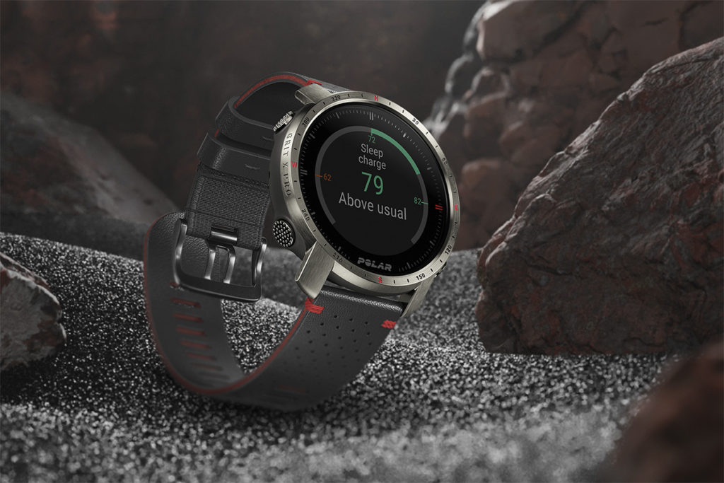 Grit X Pro 更會推出 Titan 鈦合金版,功能一樣但更為輕巧(較一般版輕 12%),以及附送多一套皮革錶帶。