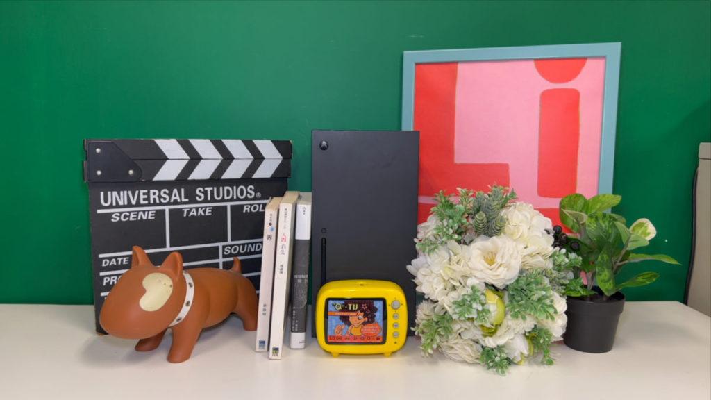 使用 Filmic Pro 拍攝 ProRes 影片,可見影像的細節會較多(如花束上花瓣細位)。